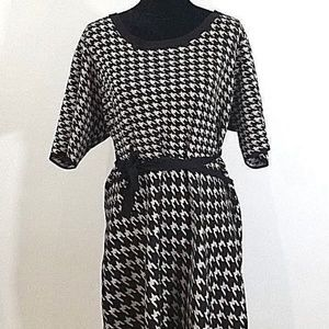 Taylor Houndstooth Print Sweater Dress sz 3X